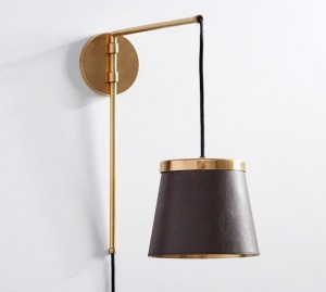 the-emily-meritt-leather-sconce-with-plug-in-leather-brass-c