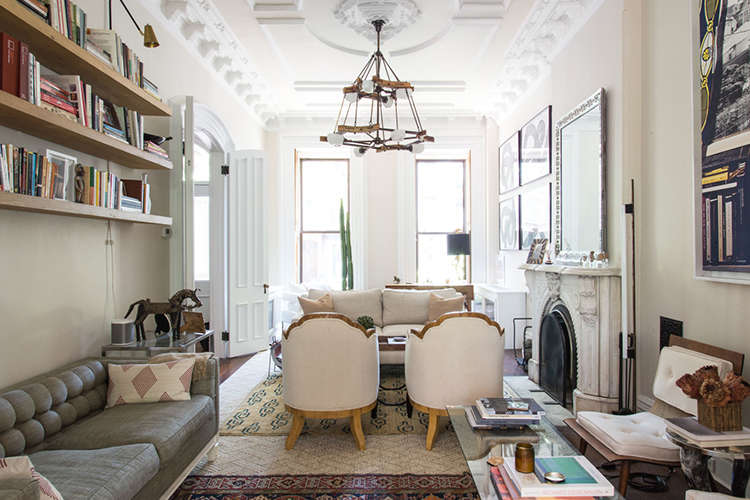 Home tour a brooklyn brownstone room for tuesday for Living room brooklyn