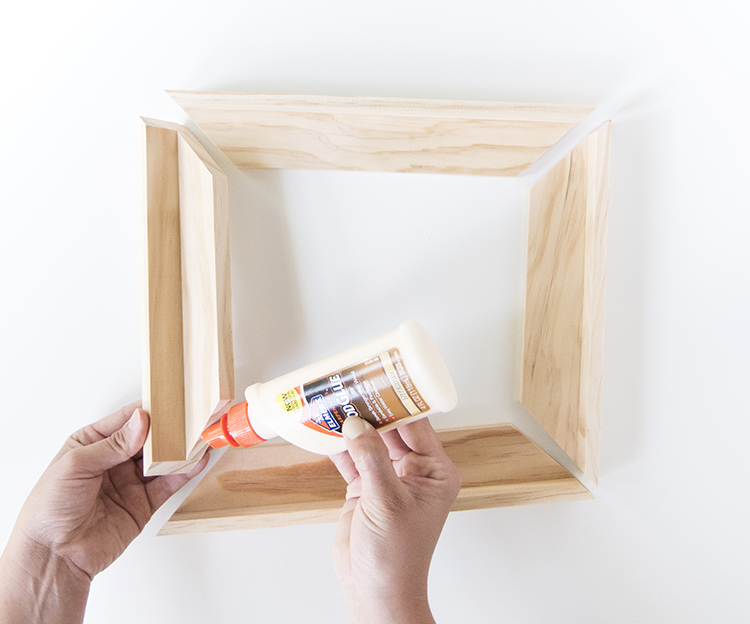 Assemble DIY Canvas Frame