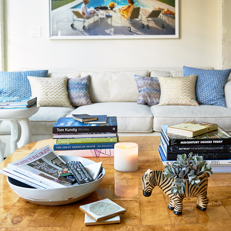 Decorating Dilemma Laurie S Living Room: Your Design Dilemmas Solved Via Texting