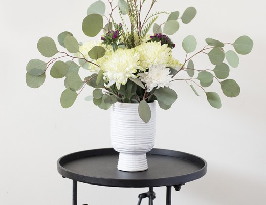 pedestal-planter-floral-arrangement