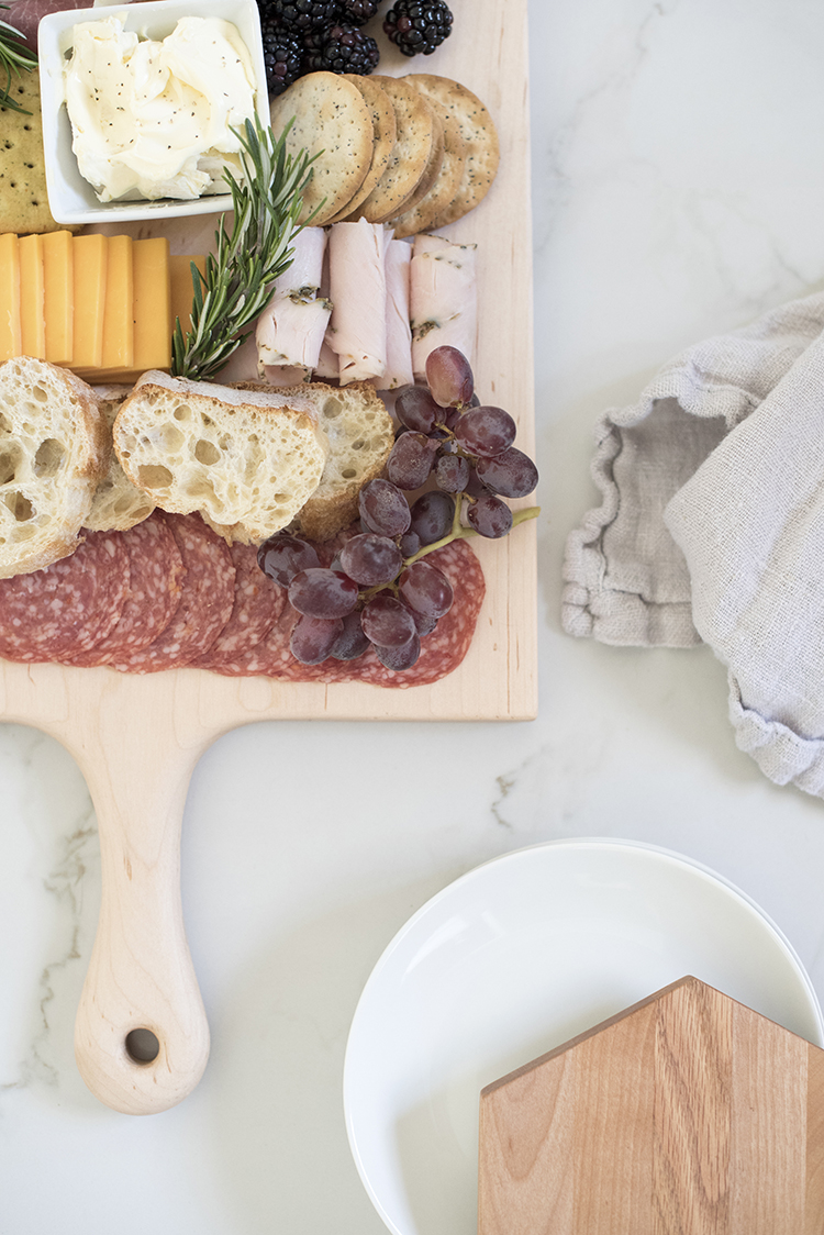 how-to-assemble-a-charcuterie-board