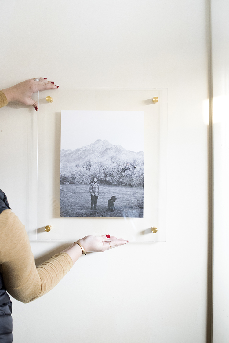 lucite-floating-frame