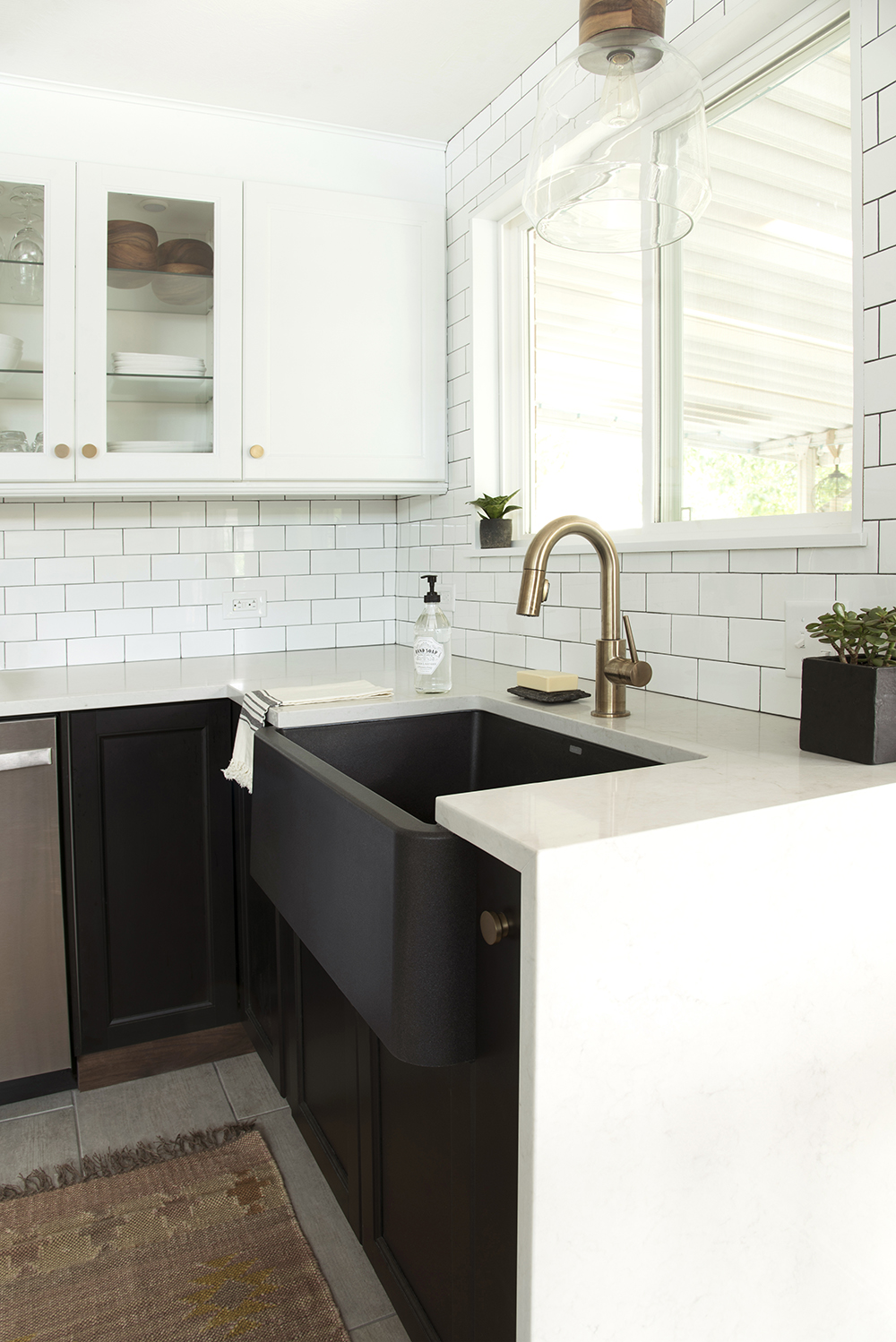 Countertop with Waterfall Edge