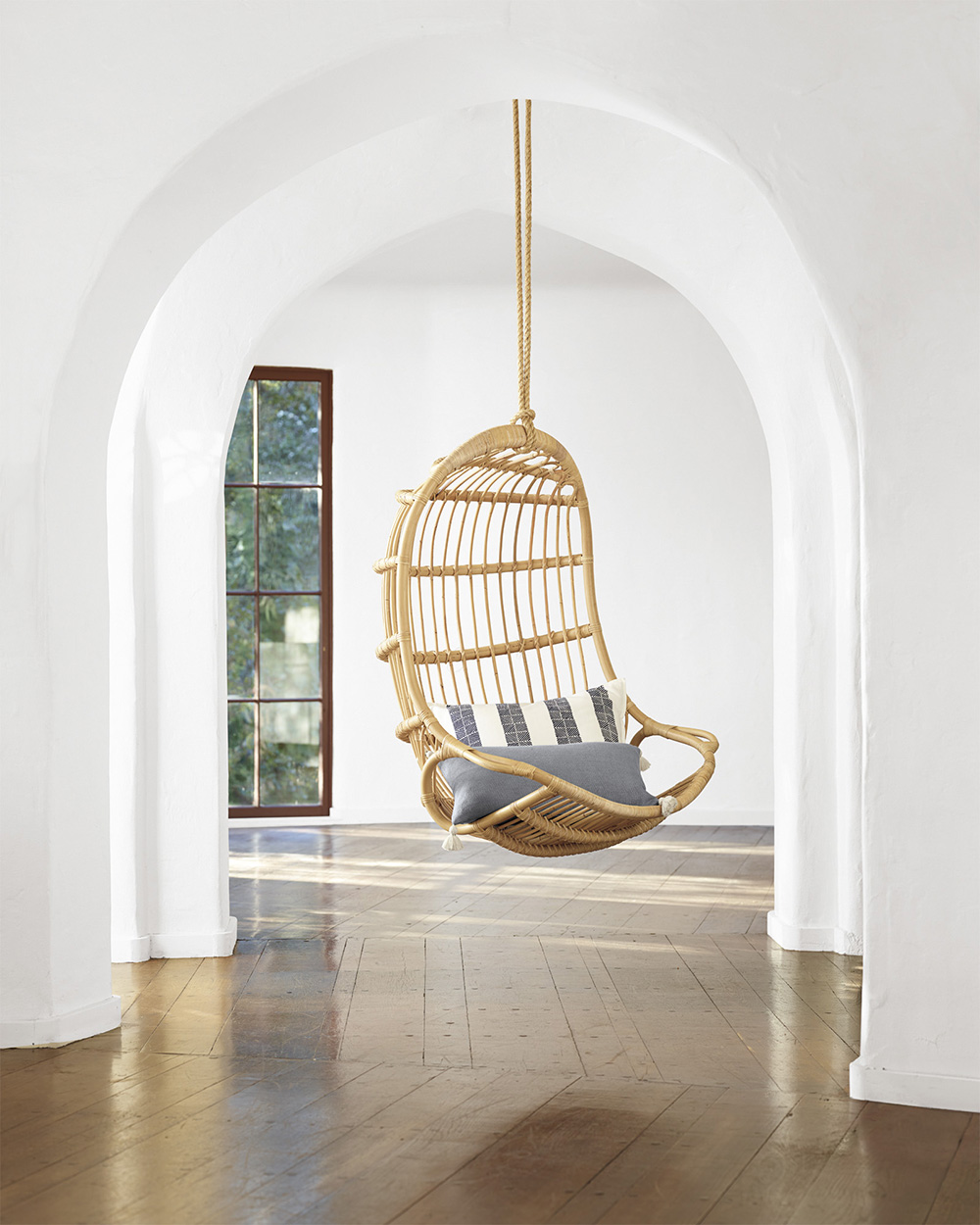 hanging chairs for bedrooms roundup hanging chairs room for tuesday 15520