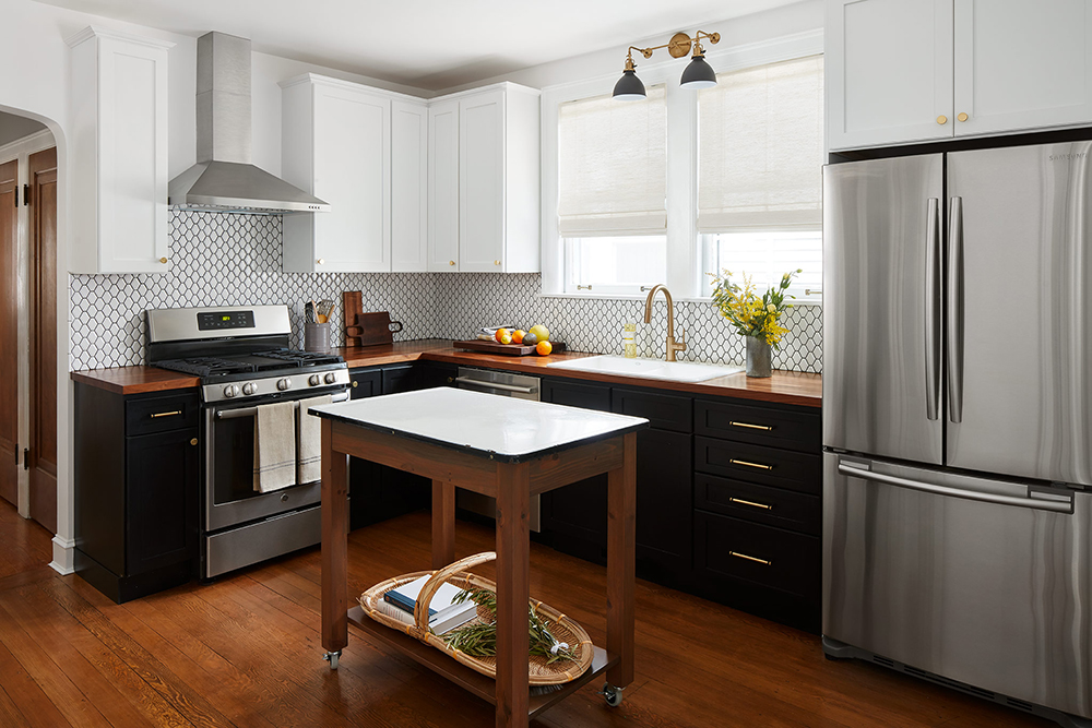 Black and White Timeless Kitchen
