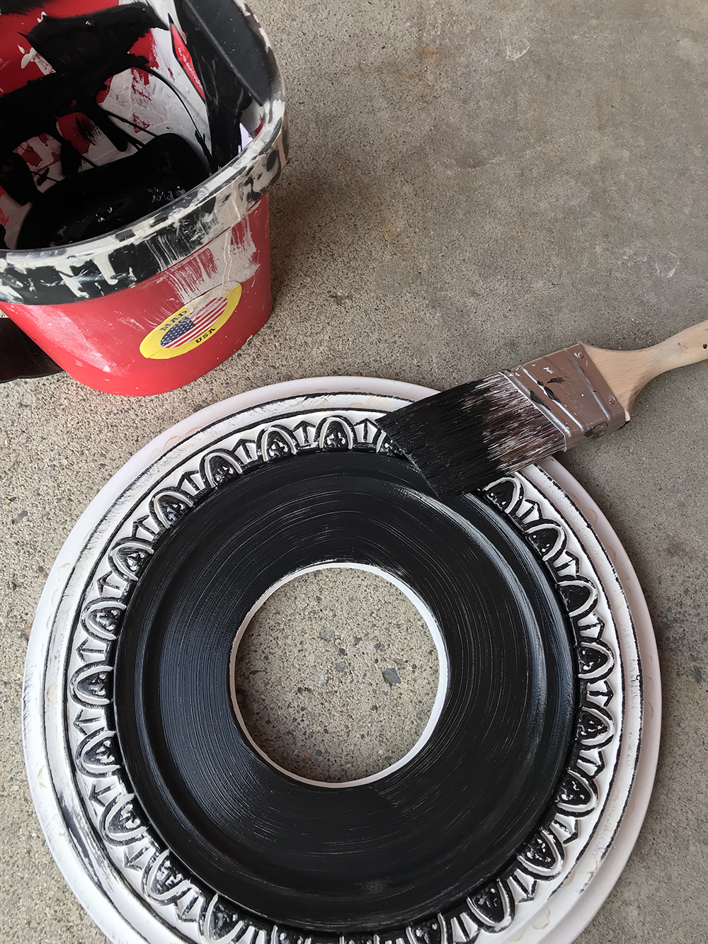 Painting a Ceiling Medallion