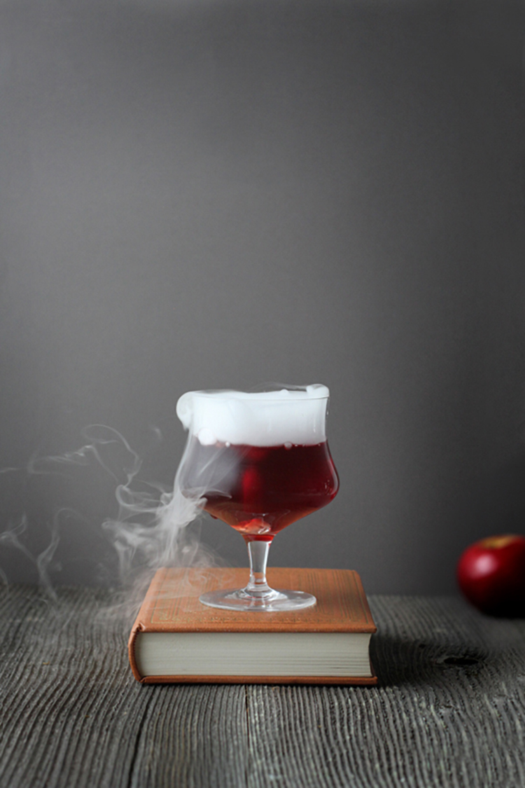 poisoned-apple-halloween-cocktail