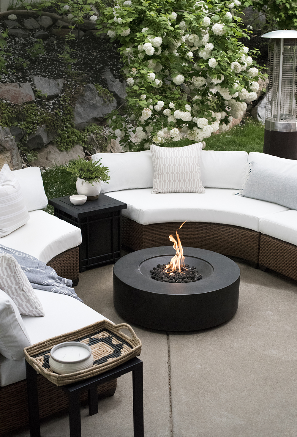 Curved Outdoor Seating Around Fire Pit Room For Tuesday
